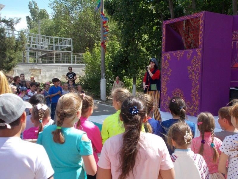 День защиты детей. Выступает Светлана Олейник