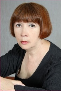 Заведующая труппой заслуженный работник  культуры РФ ГАЛИНА ЗАЙЦЕВА