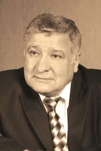 Геворгян Валерий Керопович, художественный руководитель театра